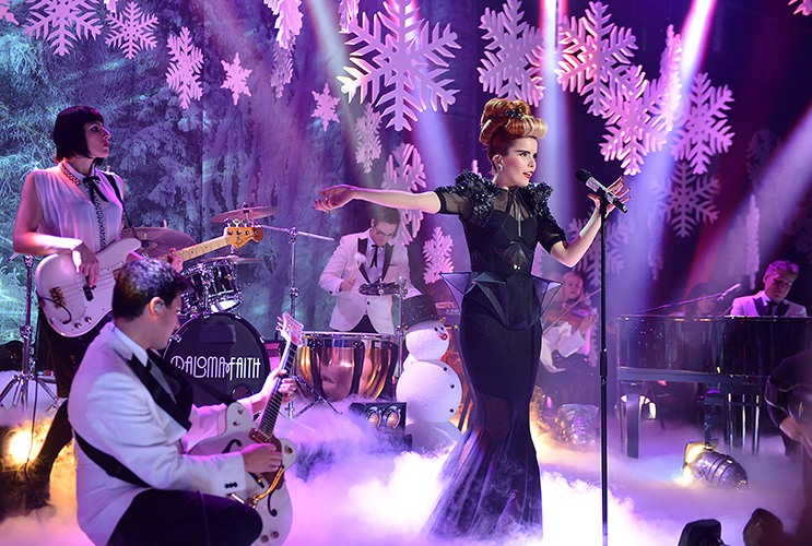 Paloma Faith on Xmas TOTP